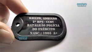 Dog-Tag-Dogtag-modelo-militar-gravada-gravação-personalizada-estilizada-loja-mania-de-metal-4-300x169