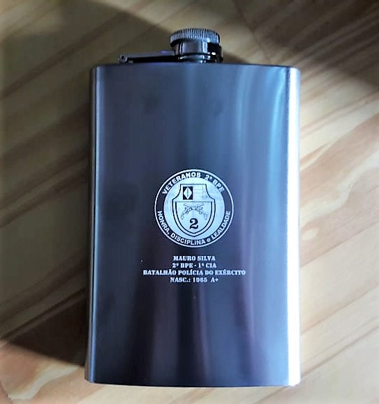 1bb3d73a09 Cantil Porta Bebida De Bolso em Aço Inox Brindes Presente Com ou Sem  Gravação Personalizado