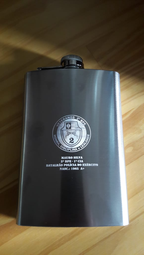 b018799a46 Cantil Porta Bebida De Bolso em Aço Inox Brindes Presente Com ou Sem  Gravação Personalizado