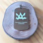 Placas-plaquetas-dog-tag-dogtag-personalizadas-personalização-gravadas-gravação-presente-mania-de-metal-004-150x150