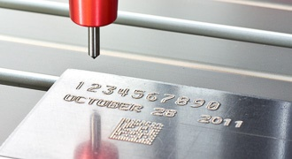 Baixo-Relevo-Gravacao-Marcacao-Metal-Metais-Personalizacao-Personalizar-Aco-Inox-Aluminio-Facas-Ferramentas-Canivetes-Placas-Plaquetas-Mania-de-Metal-008