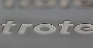 Baixo-Relevo-Gravacao-Marcacao-Metal-Metais-Personalizacao-Personalizar-Aco-Inox-Aluminio-Facas-Ferramentas-Canivetes-Placas-Plaquetas-Mania-de-Metal-028
