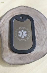 Placa-Identificacao-Dog-Tag-Dogtag-Modelo-Militar-Aco-Inox-com-Gravacao-de-dados-samu-medicos-socorristas-enfermeiros-resgate-bombeiros-salvamento-civil-militar-policial-11-193x300